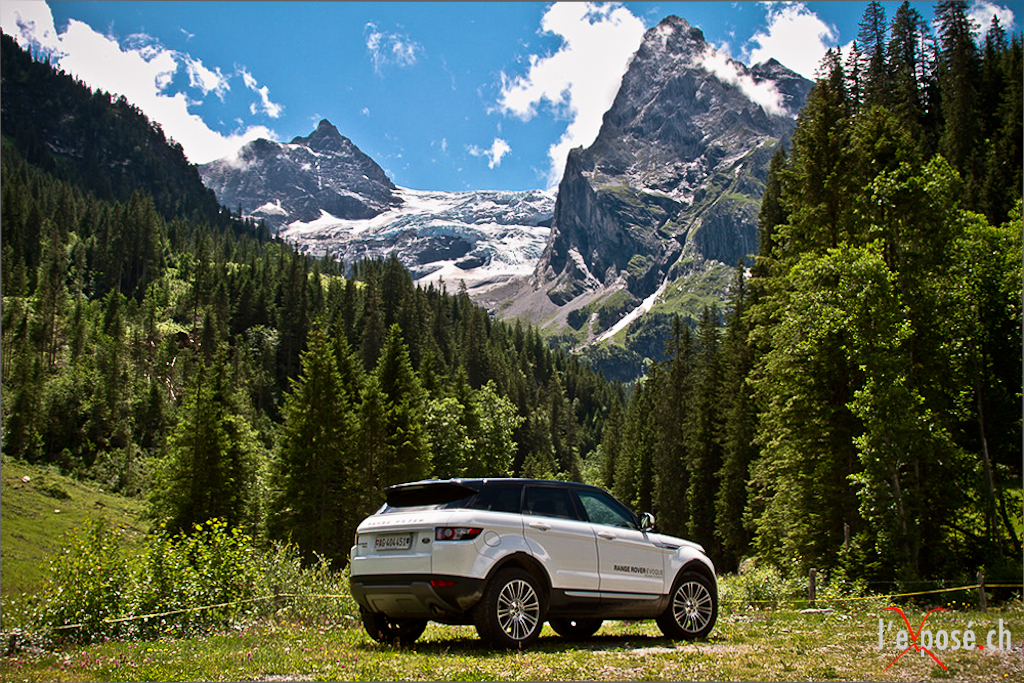 Range Rover Evoque with Dossen (left) Rosenlaui Glacier and Wellhorn (right)
